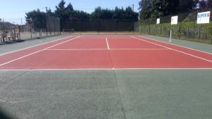 Après la peinture sur le terrain de tennis