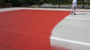 Peinture anti-dérapant sur le court de tennis