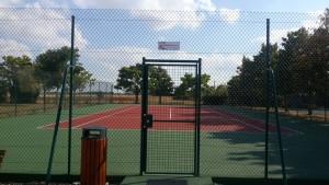 Après la peinture de courts de tennis