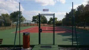 Rénovation d'un court de tennis après  la peinture