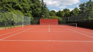 Court de tennis après les travaux de peintures