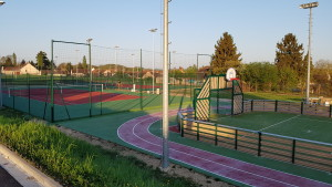 sols multisports et 2 terrain de tennis
