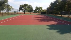 Après la peinture de terrain de tennis