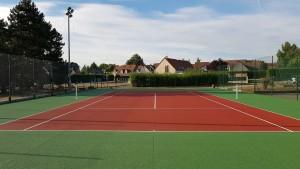 Aprés la peinture le terrain de tennis