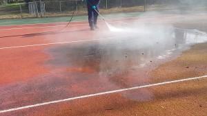 nettoyage démoussage de tennis