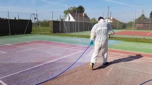 Résine d'accroche sur le court de tennis