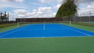 peinture de tennis en béton poreux