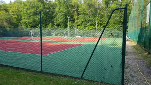 Terrains de tennis régénérés